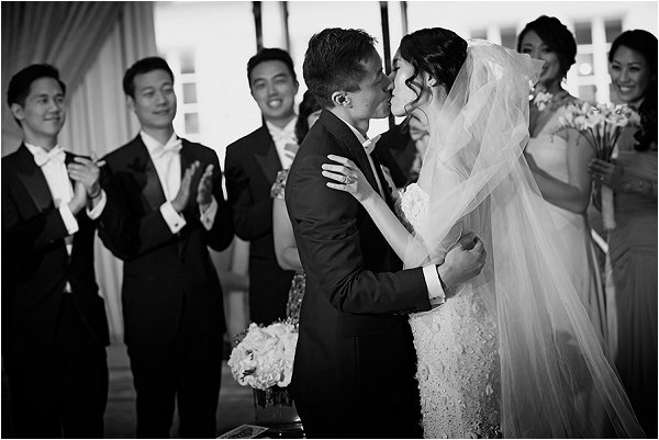 First kiss in luxury wedding at Shangri-La Hotel Paris