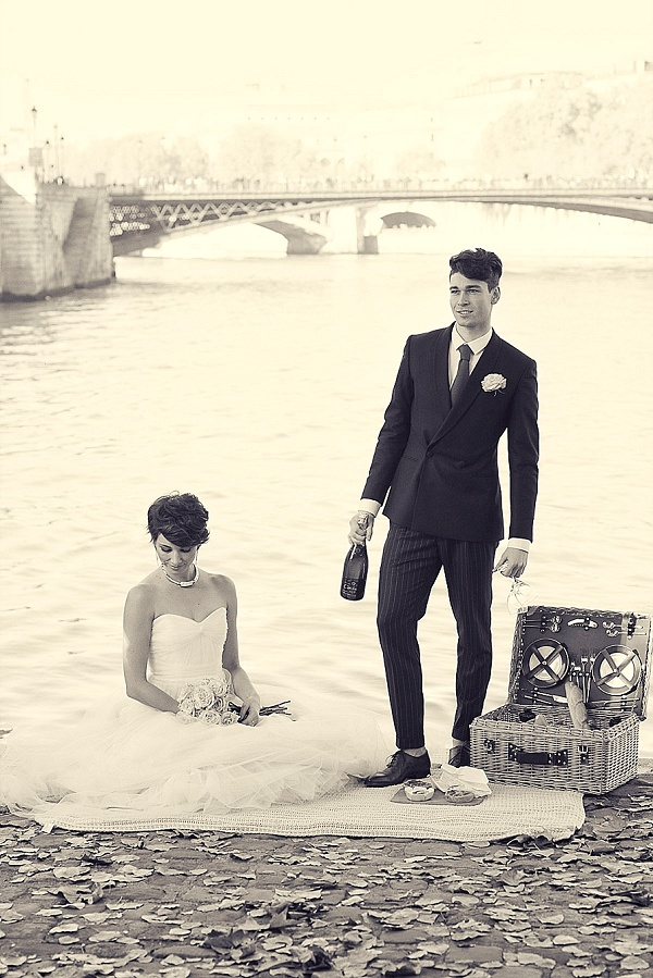 Elegant picnic in Paris