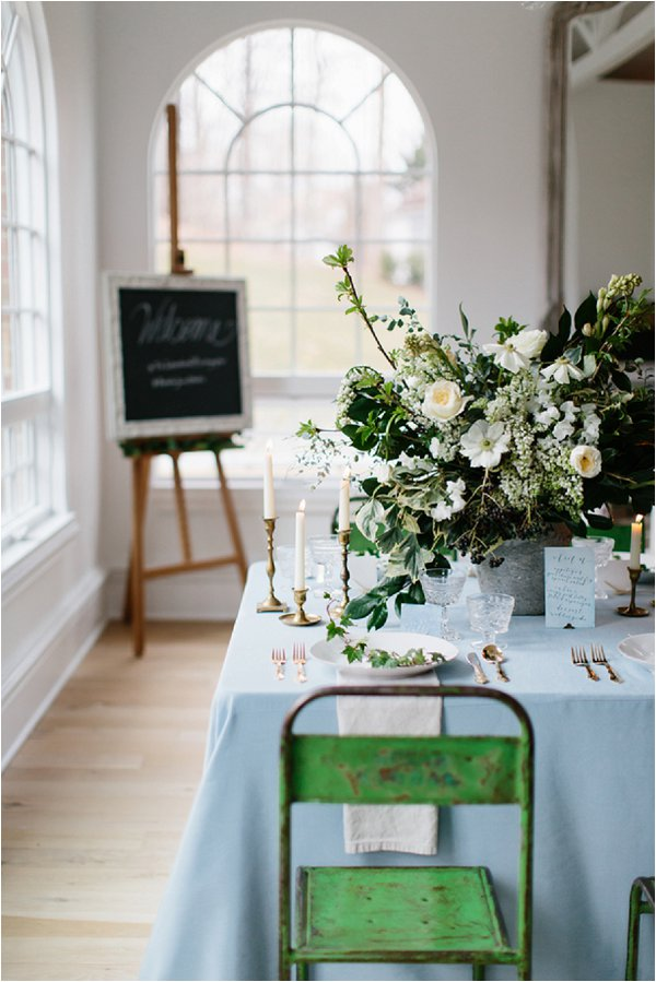 pale blue wedding accents