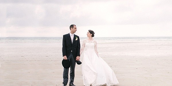 Elegant wedding on french seashore