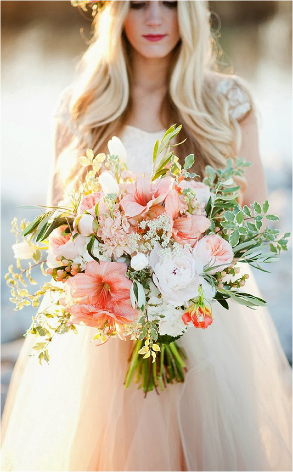 oversize bridal bouquet - Kristina Curtis Photography
