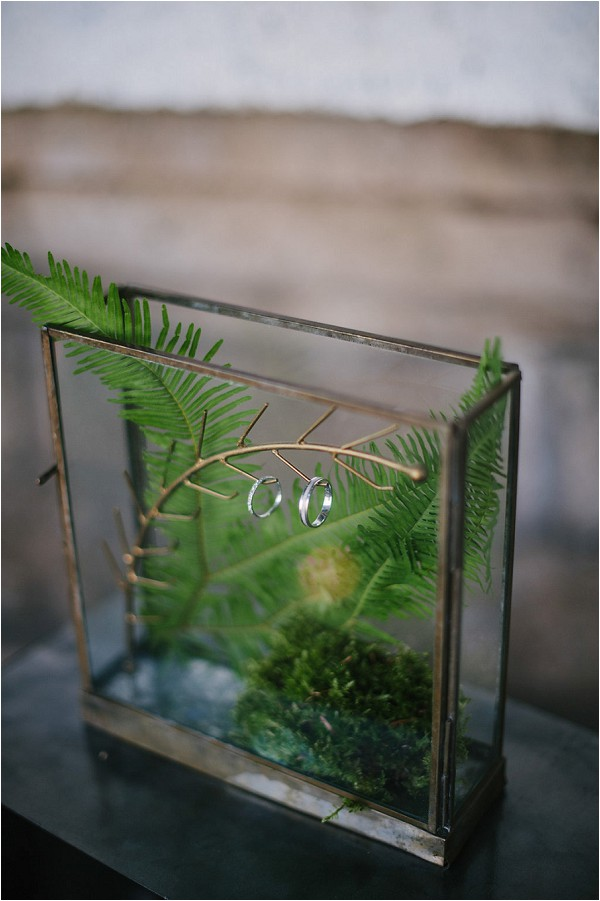 terrarium wedding ring holder