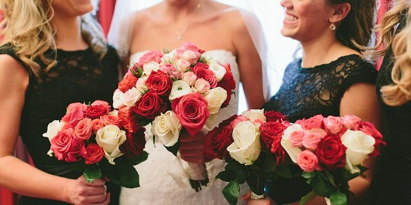 Matching bridesmaid bouquets
