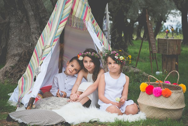 Cute flower girl boho look