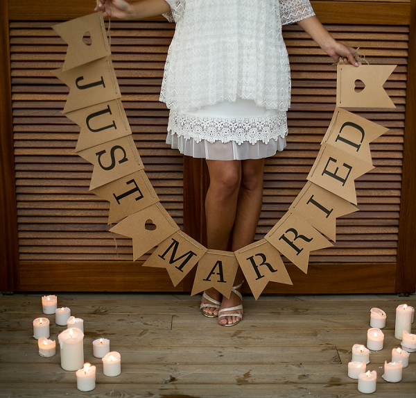 Just married sign photo idea
