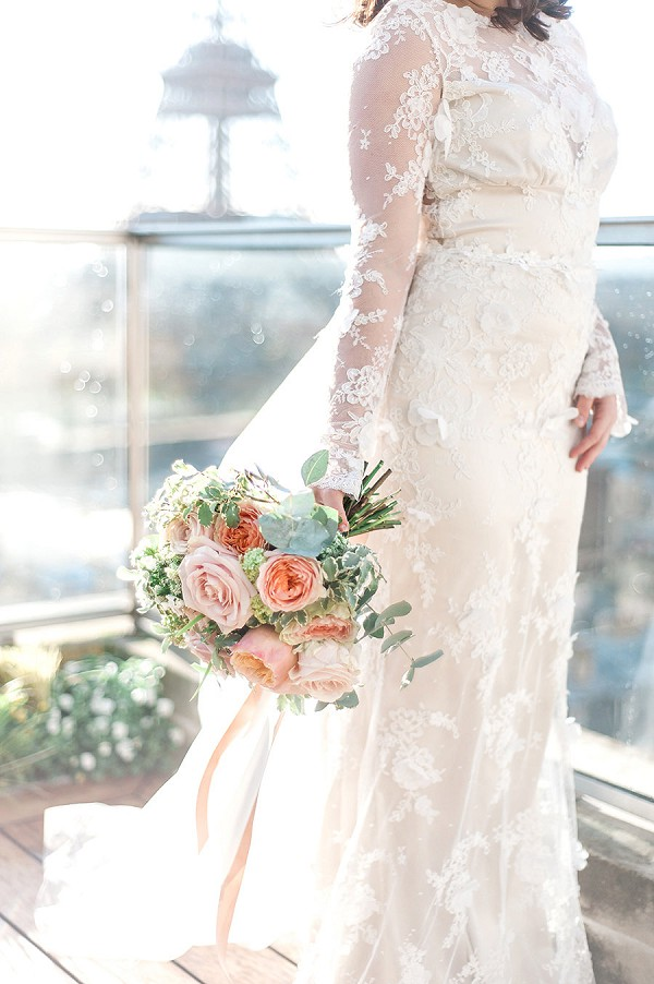 Wedding bouquet blush tones