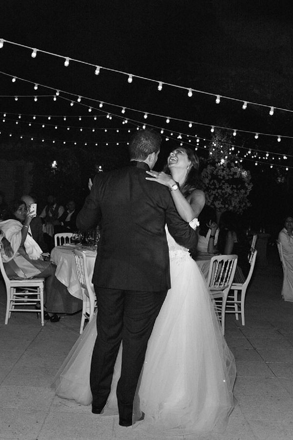 outdoor festoon first dance