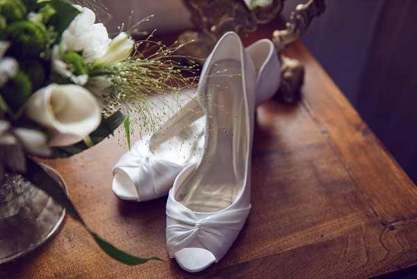 simple bridal wedding shoes