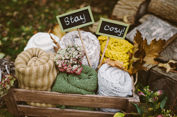 20 French Autumn Wedding Ideas Keep Warm