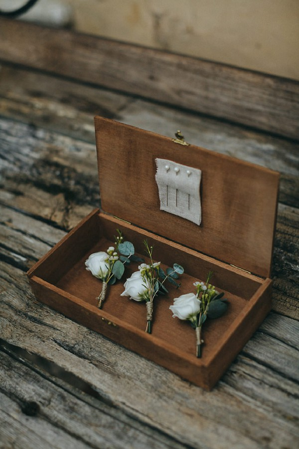 unique boutonniere box