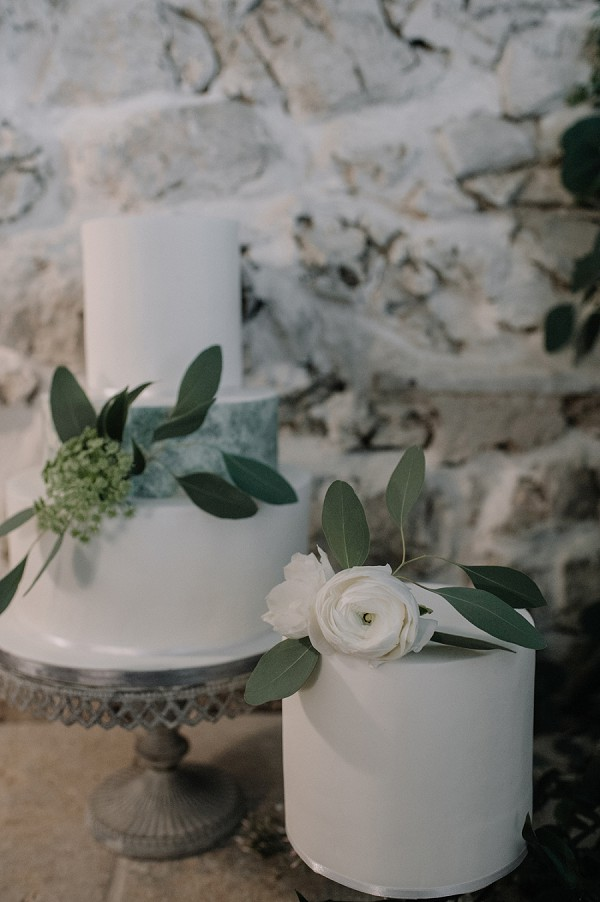simple iced wedding cake
