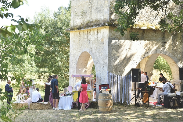 wedding in Chateau ruins