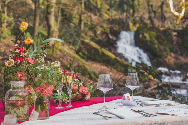 rustic woodland table setting