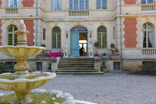 exclusive wedding venue Chateau le lout