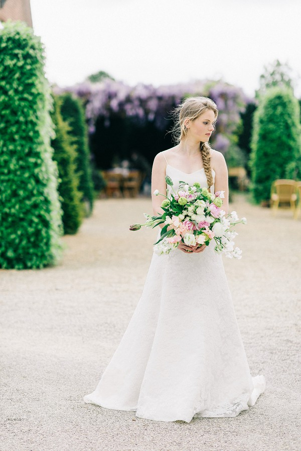 violet and soft rose wedding tones
