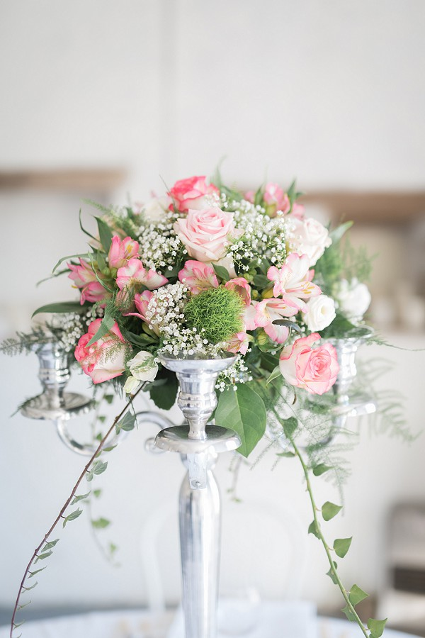 rose and gypsophila table centrepieces