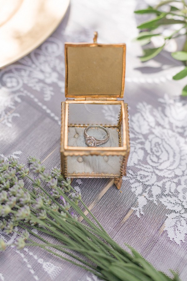 Cute ring box