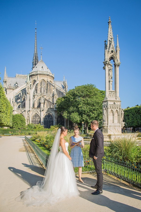 outdoor Paris ceremony
