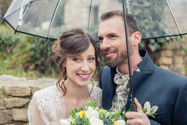 winter wedding umbrella