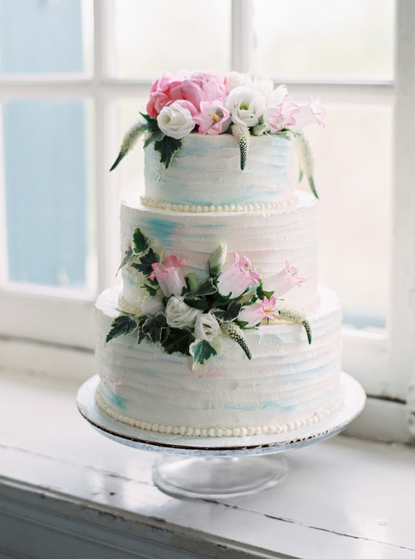 Iced wedding cake