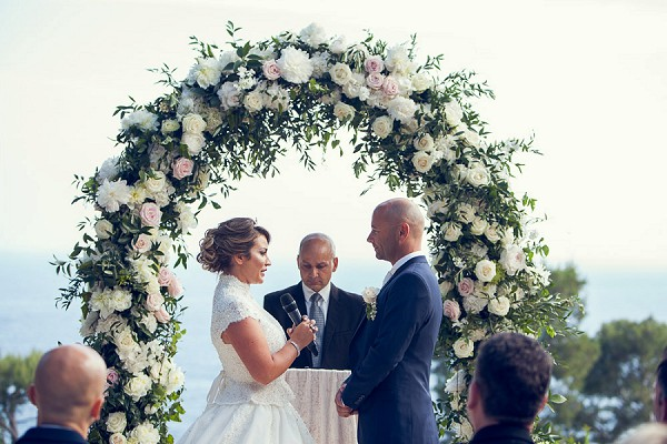 luxury wedding blooms