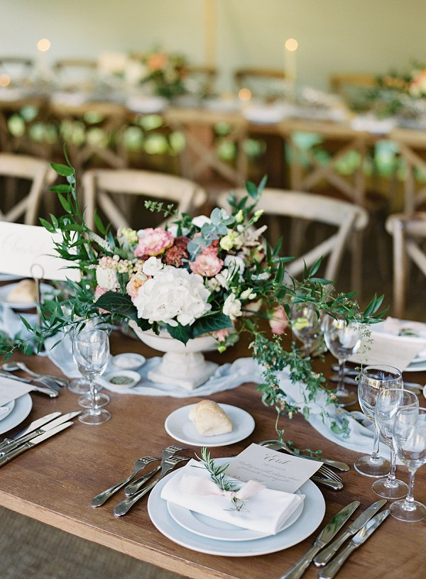 rustic chic wedding tablescape