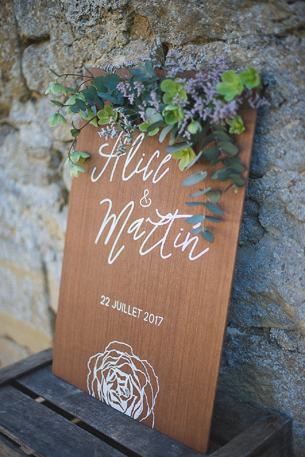 french rustic wedding touches