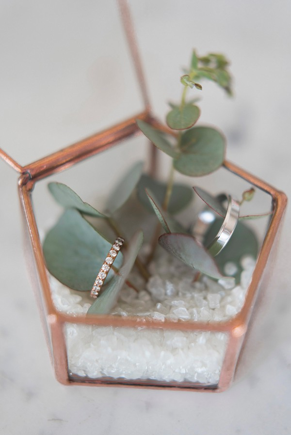 rose gold wedding touches