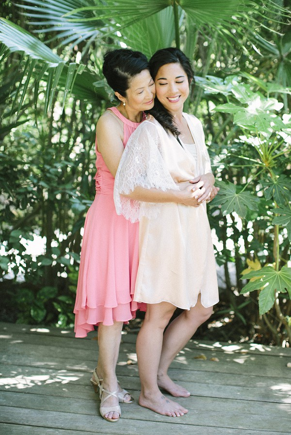 bride and mother photo idea