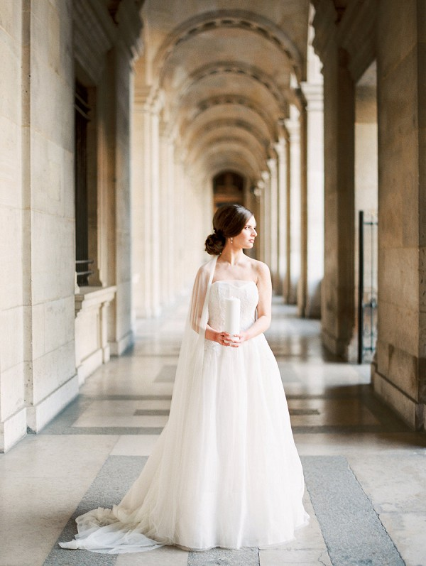 elegant neutral wedding photos