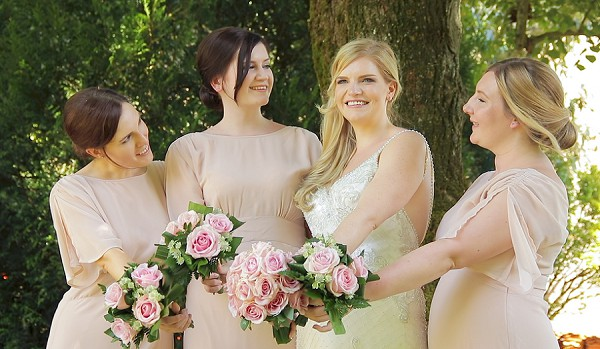 pink rose wedding bouquets