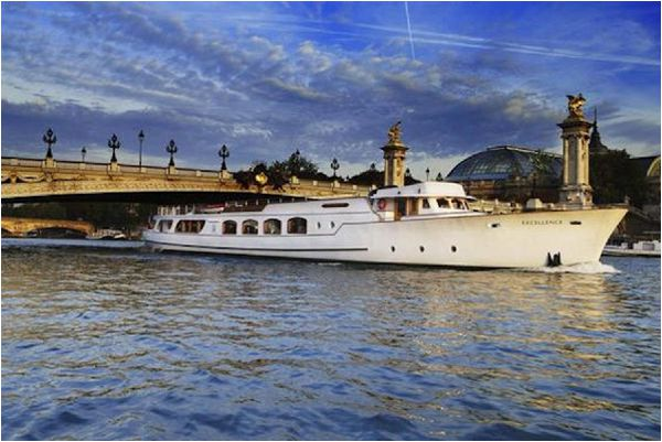 Reasons to Get Married in France Yacht