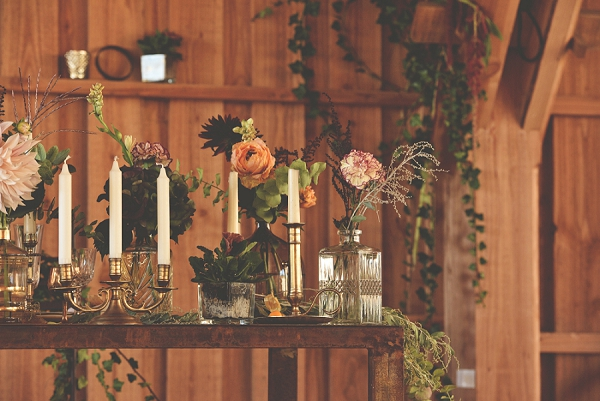 candles and flowers wedding