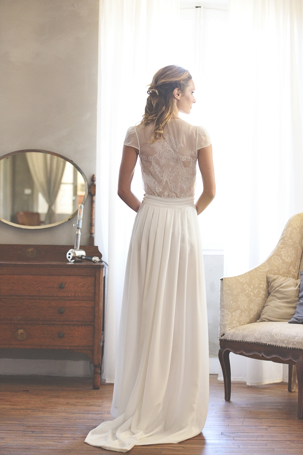 pretty back wedding gown