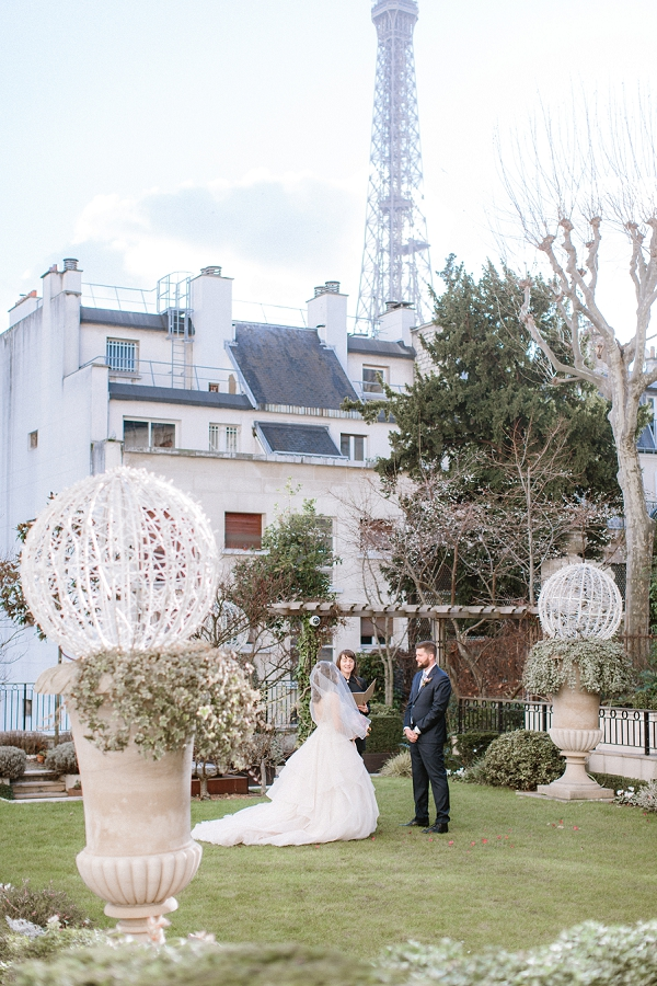 eiffel tower wedding ceremony