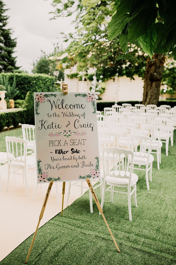 Outdoor wedding ceremony Chateau Soulac