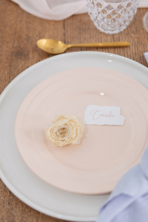 simple table wedding setting