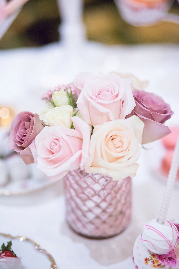 Pink rose floral table decoration