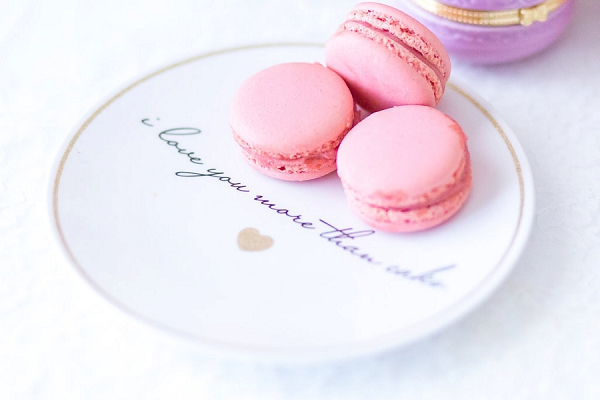 Pink wedding macaroons