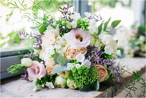 pastel Provence wedding flowers | Image by Shelby Ellis
