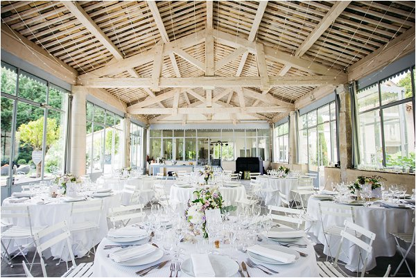 wedding decoration of barn | Image by Shelby Ellis