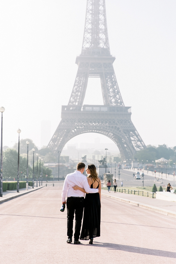 romantic stroll around paris