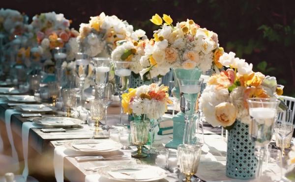 blue-white-peach-vintage-wedding-table-centerpieces