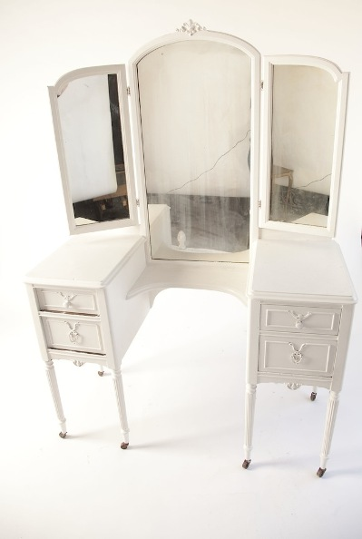 vintage white vanity