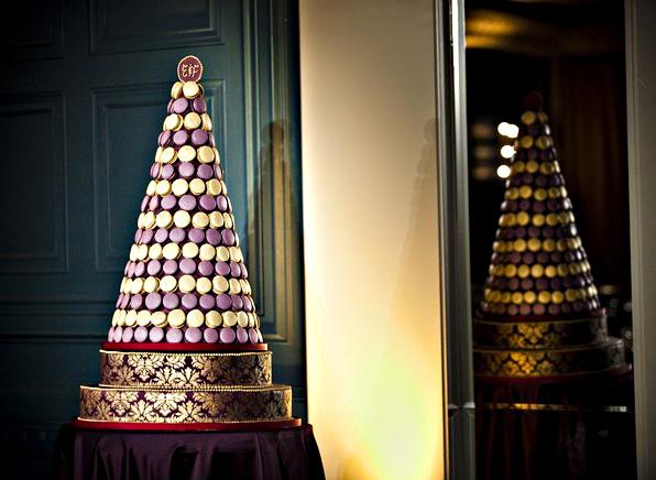 amcakes.com - wedding macaron tower