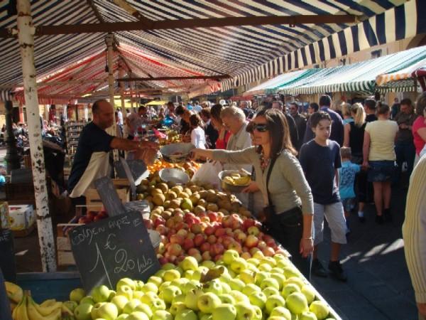 nice farmers market