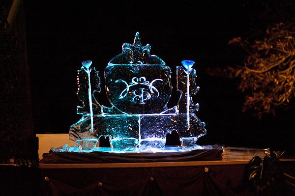 wedding ice sculpture