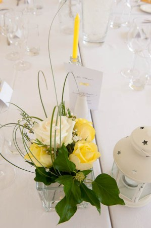 yellow and white wedding flowers
