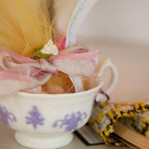 vintage cup wedding favour