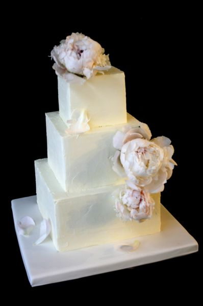 buttercream white wedding cake